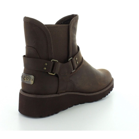 165445a103eb Ugg Boots W Glen Women s Wedge Boots Sz 7 MSRP 175